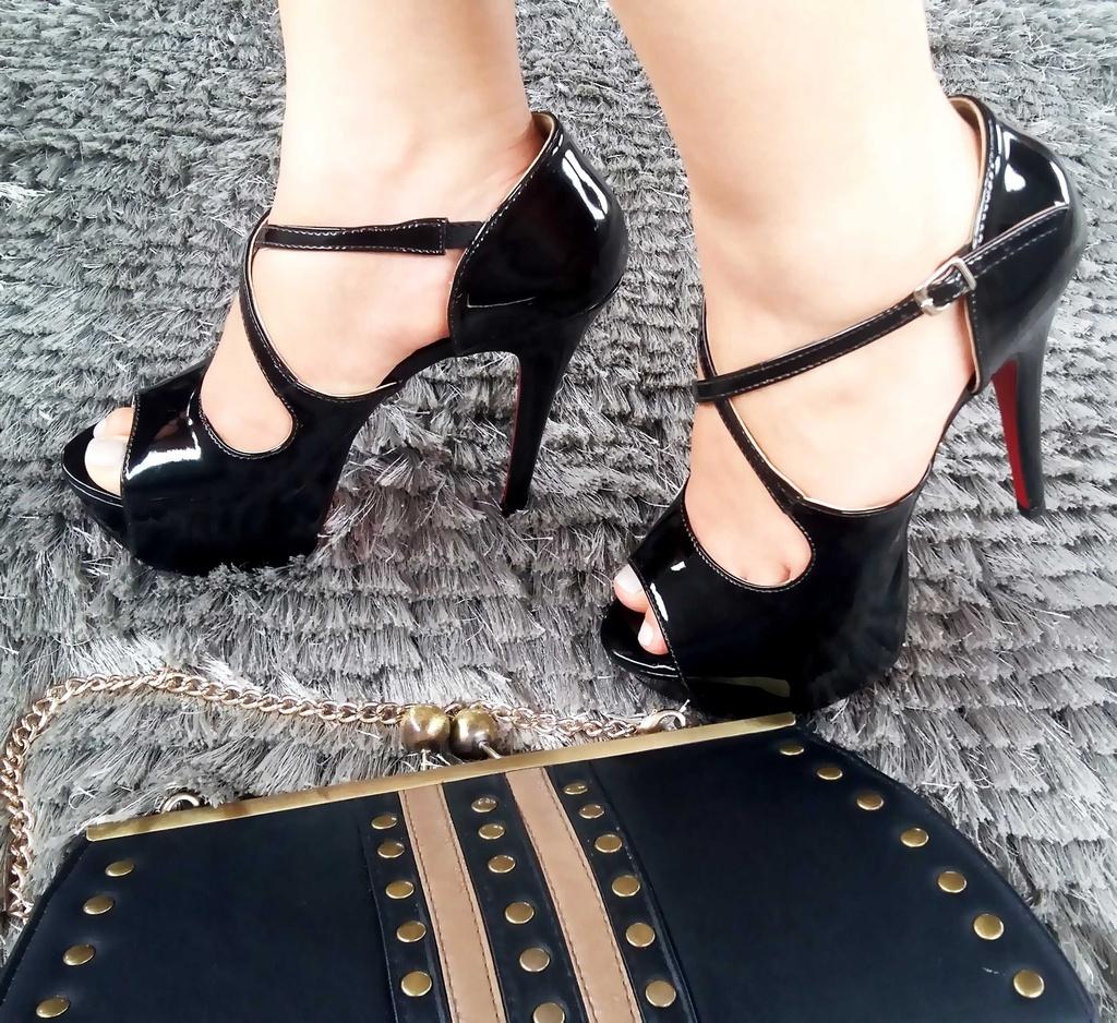 4f7da88ed3 Sandália Black Vinyl - Anny Shoes