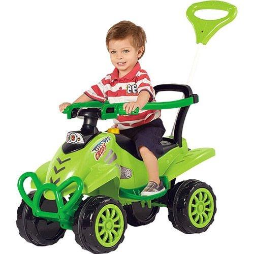 6dd93243c4 Carrinho de Passeio Infantil Verde 2 em 1 com Pedal Brinquedo Menino -  Calesita