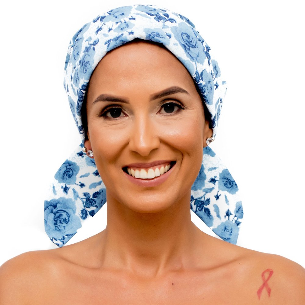 ff2001d9ad Lenço Quimioterapia Chapéu Branco Floral Azul - Fita Rosa Lenços e ...