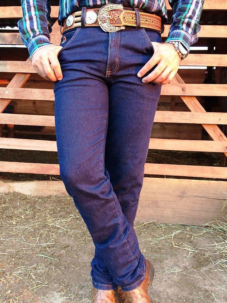 24aa00ea522e8 Calça Jeans Masculina Country fabricada em tecido Stone 74% Algodão ...