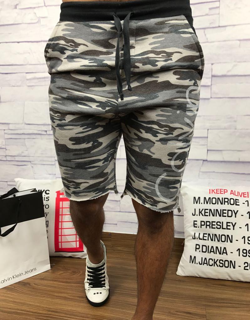 Bermuda moletom Calvin Klein - BlassPace a sua marca está aqui 88e1fb7de4