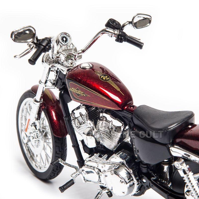 Harley-Davidson 2012 XL 1200V Seventy Two