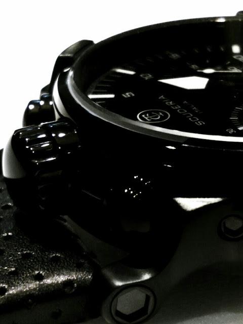 Relogio-masculino-preto-CT-Scuderia-Satuno-Touring-e-pulseira-de-couro-perfurado-preto-zoom2