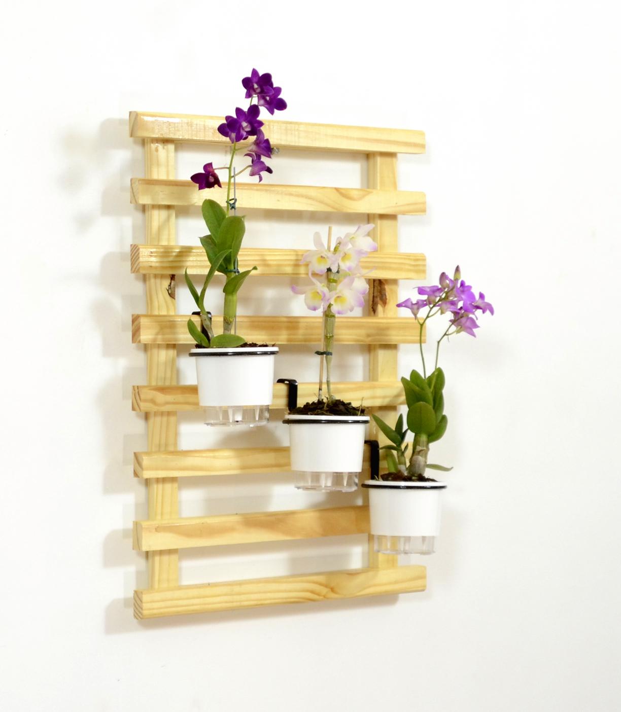 Horta Vertical Super Mini com 3 vasos autoirrigáveis