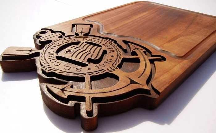 Tabua de carne de madeira do Corinthians acabamento perfeito