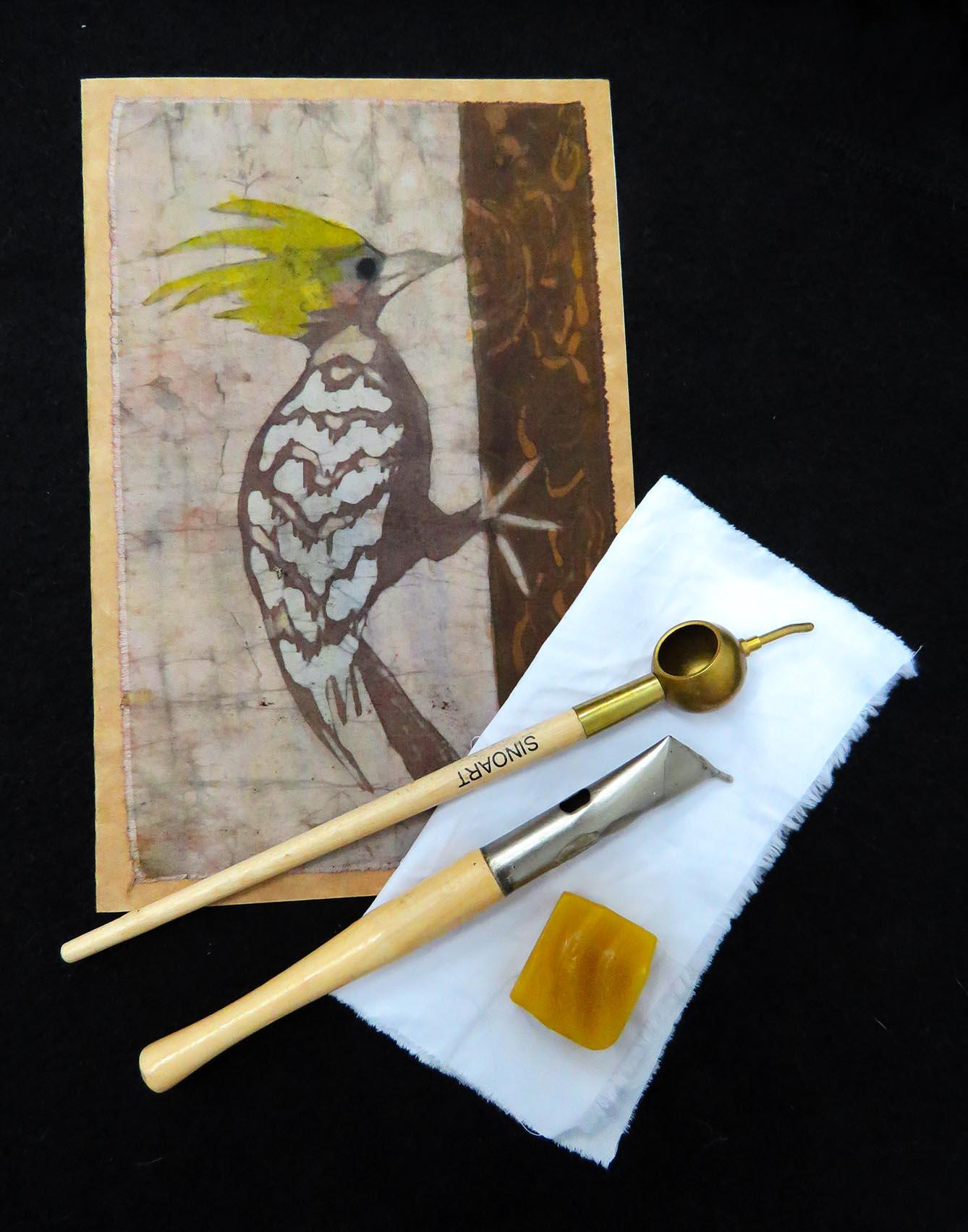 As cadernetas de Roberta Sammut são produzidas artesanalmente com técnica Batik. Disponíveis na Maritaca Store.