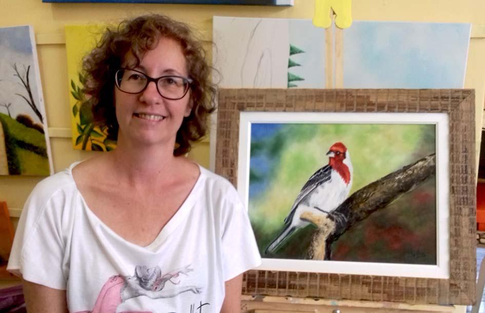Lindas pinturas de nossas aves em tacos de madeira de demolição por Ana Lúcia Lapolli. Disponível na Maritaca Store.