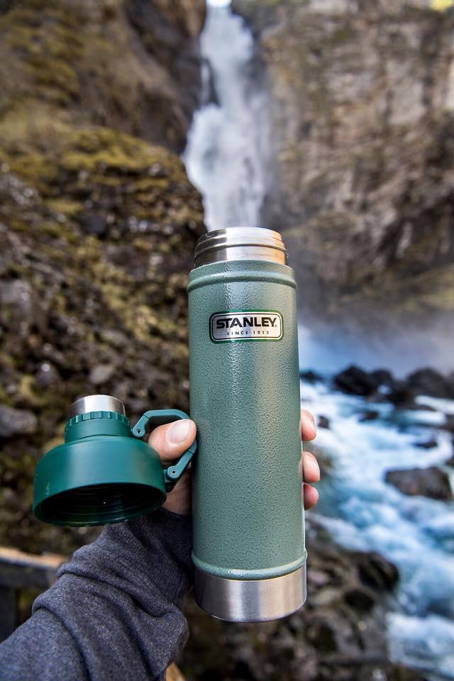 garrafa-termica-stanley-hydratation-750ml-verde