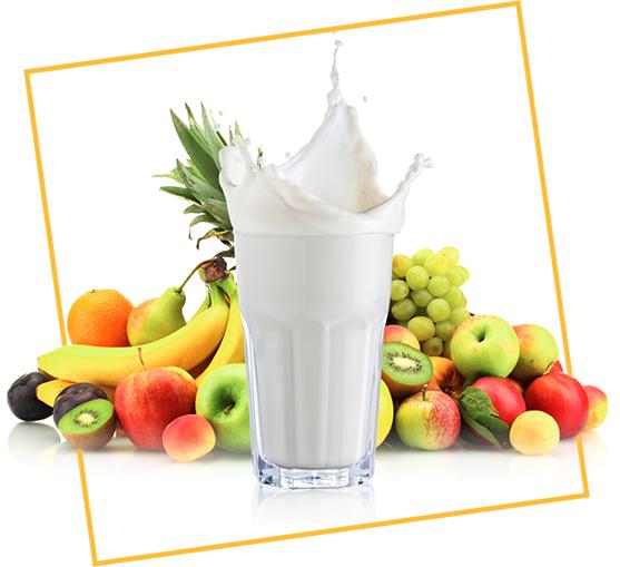 Copo de leite e frutas