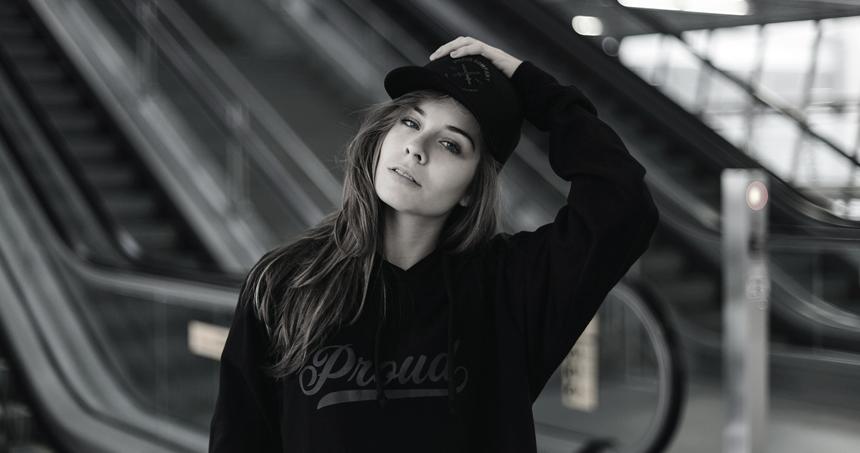 luiza-metro-proud-black-label