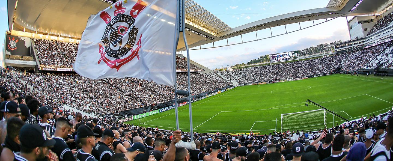 Arena Corinthians e a Bandeira
