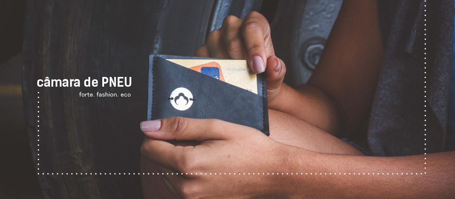Recycle camer carteira na mão