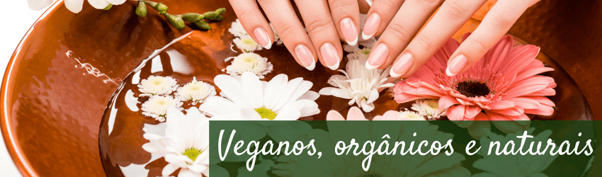 Produtos veganos, orgânicos e naturais - Bacia com água