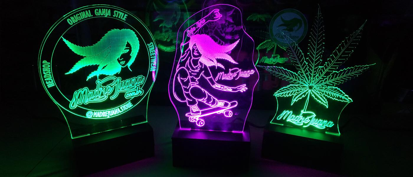 Luminárias de Led e Acrílico Madre Juana Headshop