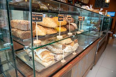 Paes prontos na Loja Pasta Madre