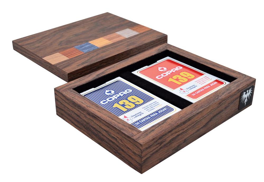 jogo-de-baralho-copag-139-estojo-havana-madeira-marchetado-imagem-1.JPG