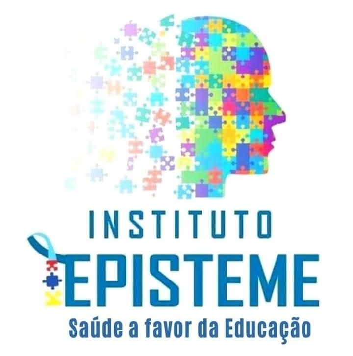 Logotipo do instituto episteme. Cabeca humana de perfil formada por peças coloridas de quebra cabeça nas cores azul claro, amarelo e roxo, que vão se espaçando da direita para a esquerda.