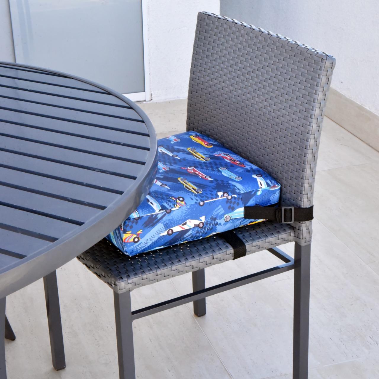 Assento Almofada de Elevação Infantil para Cadeira de Alimentação Cadeirinha de Crianças Bebês UNIVERSAL - Estampa Carros Carrinhos Car Menino Menina