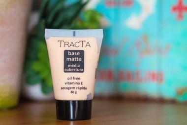 base-matte-tracta-media-cobertura-oil-free-secagem-rapida-40g
