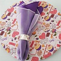 capa tecido sousplat docinhos roxinhos chocolates e fundo branco