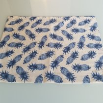 Lugar americano abacaxi azul pequeno fundo branco