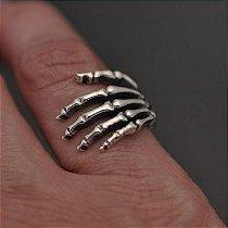 Anel Mão de esqueleto em prata 950k