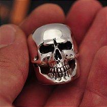 Anel Masculino Crânio Liso Realístico C/ Chamas em Prata 950K