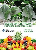 SACO PARA PROTEÇÃO DE FRUTAS NO PÉ EM 15 X 25 cm  EM TNT