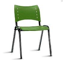 Cadeira de Plástico Empilhável