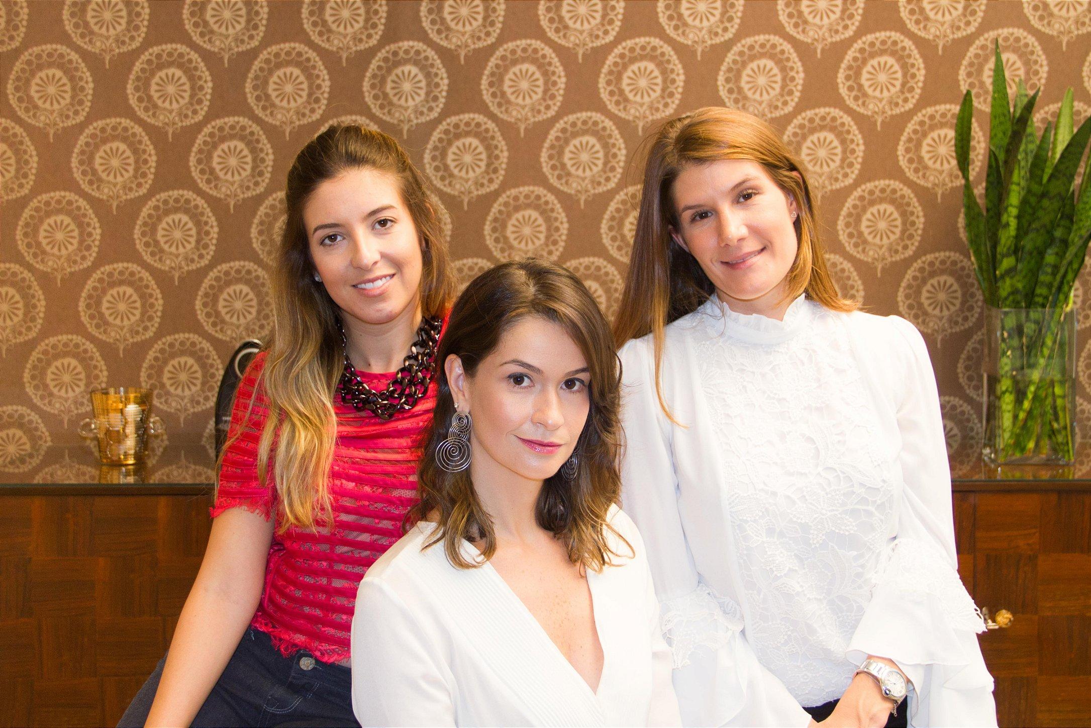 Renada Procópio(esq), Carolina Botti (cen), Angélica Duarte(dir)