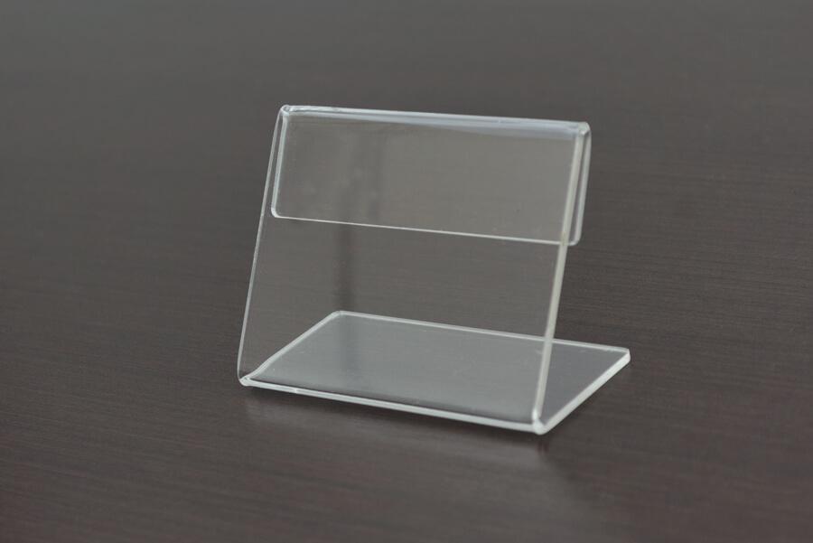 Display em acrílico transparente com 6 cm de altura e 8 cm de comprimento