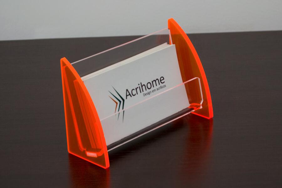 Porta cartão de visitas feito em acrílico laranja
