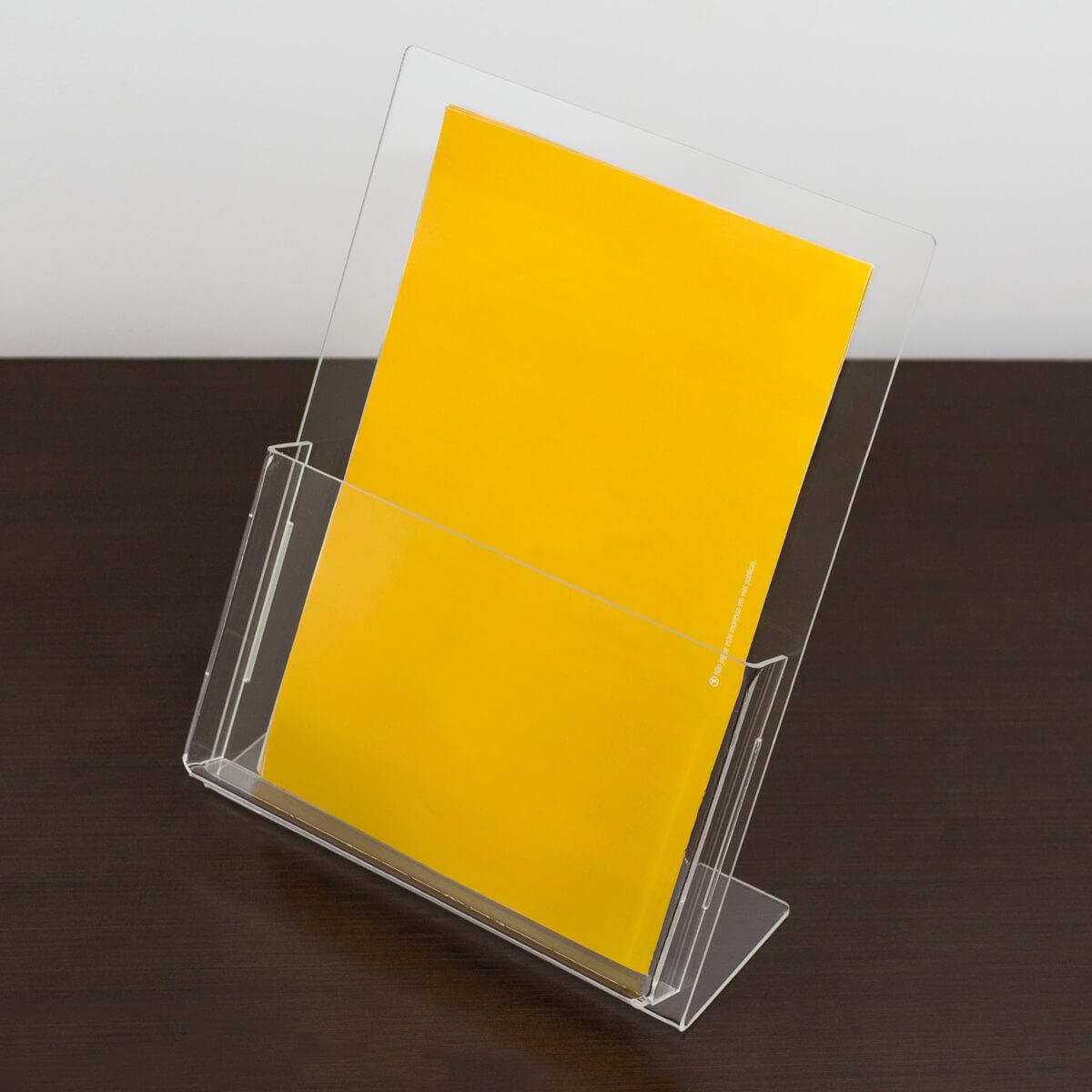 Porta folder A5 vertical de acrílico
