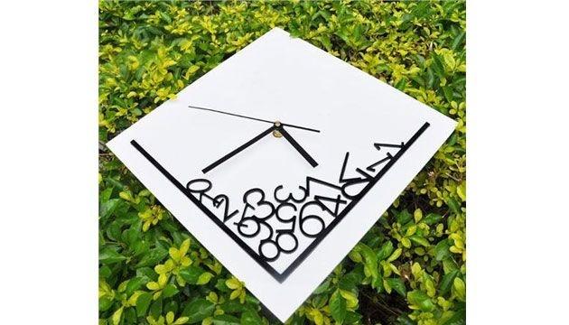 a42c71eade9 Relógio de Parede NÚMEROS CAÍDOS - Beek Geek s Stuff
