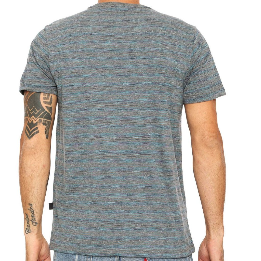 Camiseta Quiksilver Street Cinza Escuro - Radical Place - Loja ... b637cc848a1