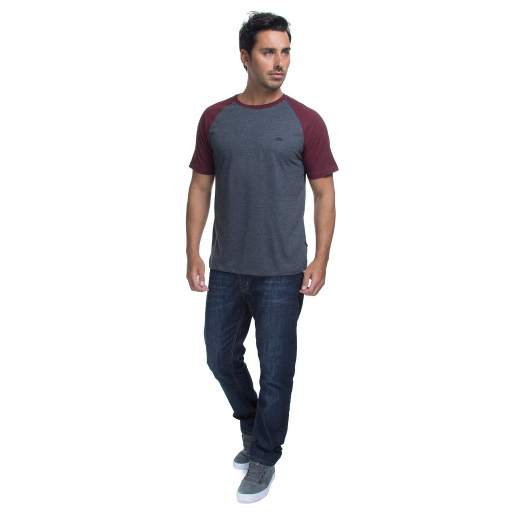 ... Camiseta Quiksilver Especial EveryDay Raglan Cinza Escuro Vinho -  Imagem 3 1b1000f3579