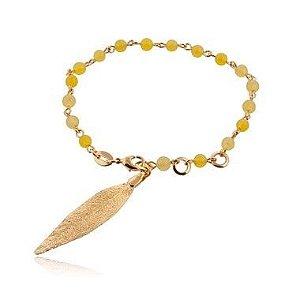 Pulseira banhada a ouro com folha de uvaia e pedra amarela