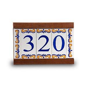 Kit Placa de Madeira com 3 Números de Cerâmica e Bordas