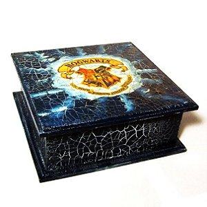Harry Potter - Caixa quadrada com brasão de Hogwarts