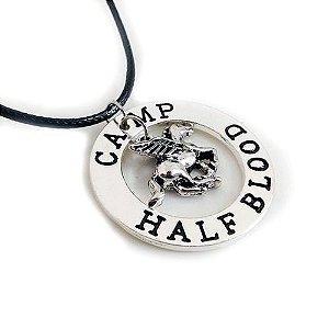 Colar Percy Jackson - Acampamento Meio Sangue / Camp Half Blood