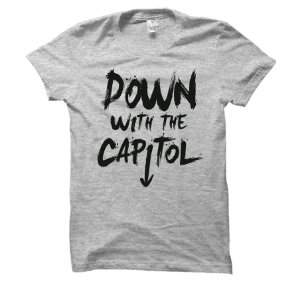 Camiseta Jogos Vorazes - Down With The Capitol
