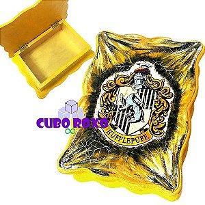 Harry Potter - Caixa ondulada com brasão da Lufa Lufa