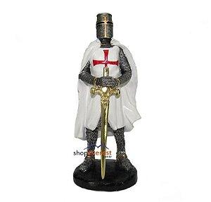Cavaleiro Templário Medieval com Espada