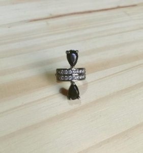 Piercing Fake Gotas Ônix Ródio Negro