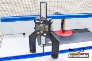 Medidor e Calibrador de Altura Digital para Fresa e Serra Circular WR25 - Wixey Digital