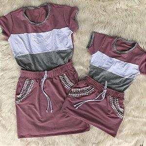 Saia rosa com T shirt rosa escuro Mãe e Filha