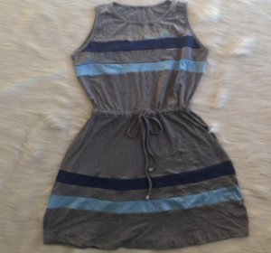 Vestido de listras azuis infantil