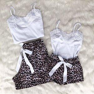 Conjunto com shorts de oncinha mãe e filha