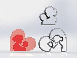 Cortador Mãe - Com bebe no colo coração