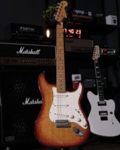 Guitarra Fender Stratocaster American Select Dark Cherry Burst 2012